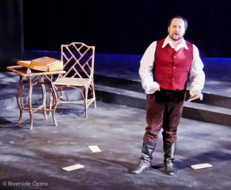 Alfredo in La traviata © Riverside Opera
